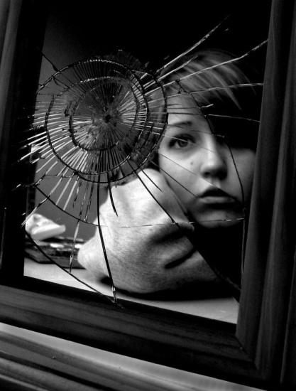 the_broken_mirror_effect_by_croissance.jpg
